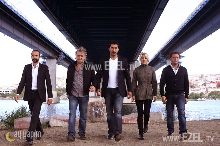 Film Serial Ezel http://anzhelamovies.wordpress.com/2011/01/10/ezel-episodul-3/