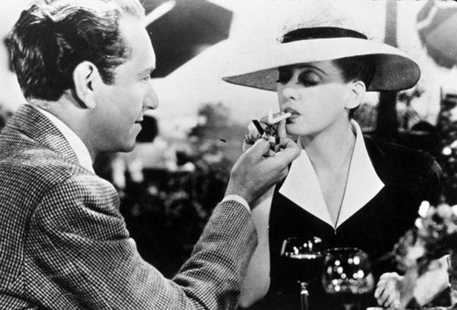 Paul Henreid and Bette Davis in Now, Voyager (1942)