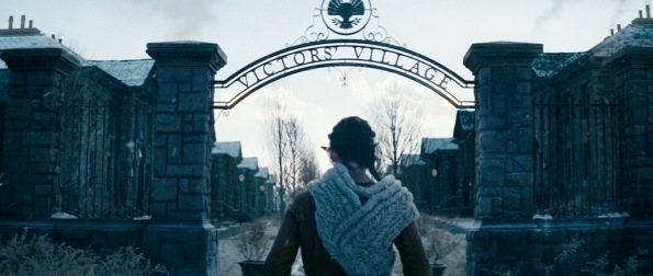 the-hunger-games-catching-fire-trailer-screenshot-victors-village