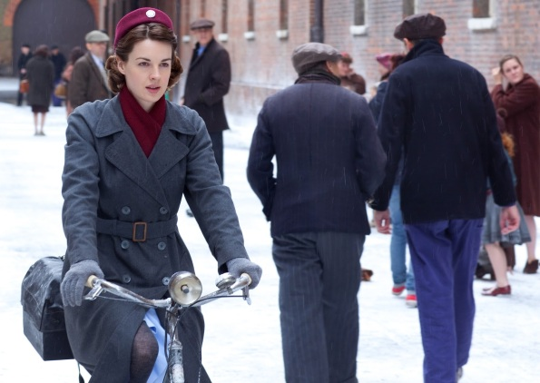 Call The Midwife 2 13_7_12 A-8212