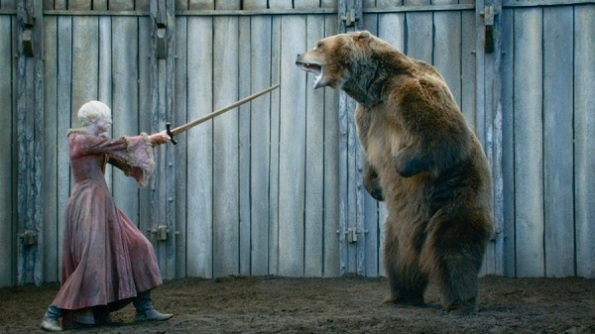game-of-thrones-s3-e6-brienne-bear